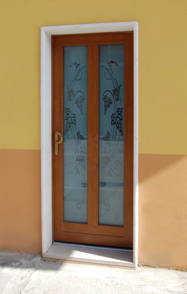 Invi srl porte finestre infissi pvc for Porta balcone pvc prezzi