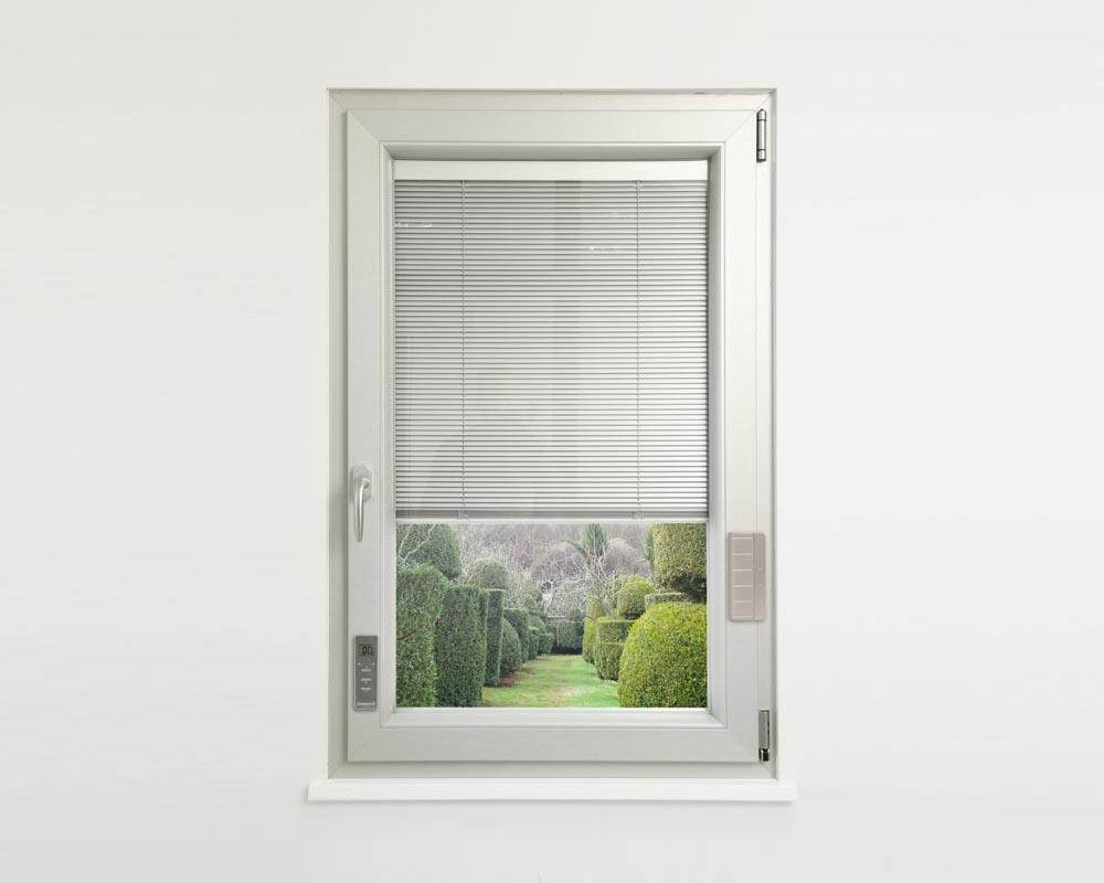 Mille porte tende tipologie infissi - Sunbell veneziane interno vetro ...